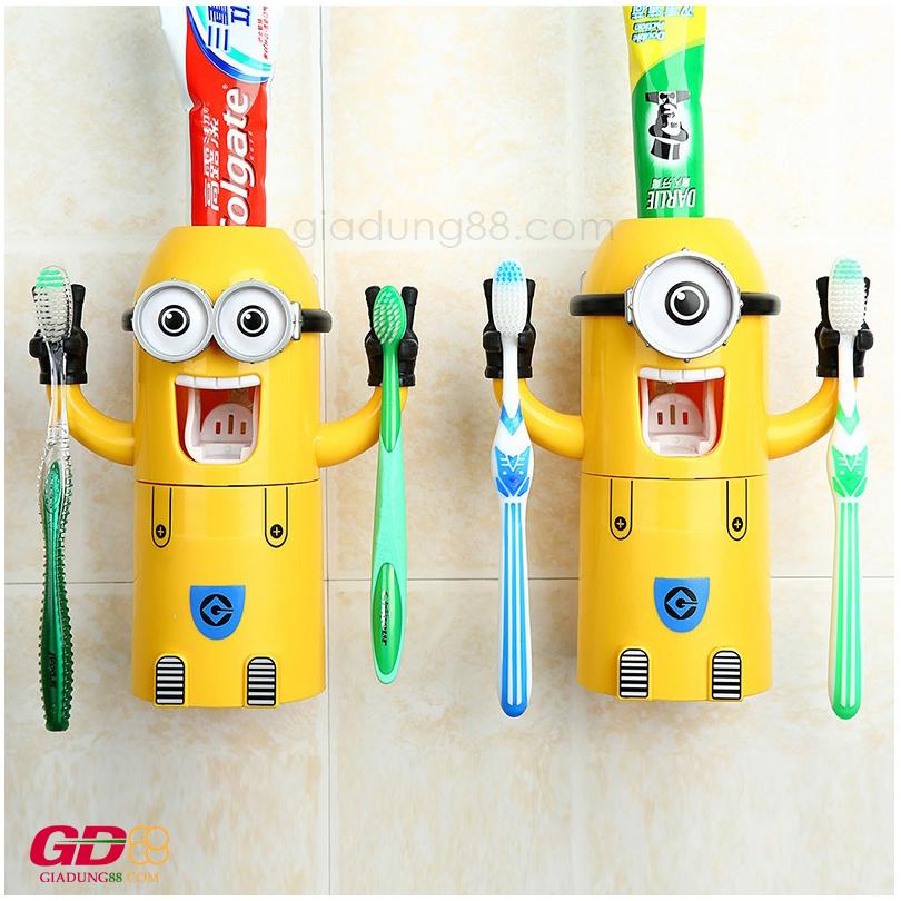 Nặn kem đánh răng Minion