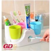 Kệ để bàn chải và kem đánh răng + 3 cốc súc miệng gia đình